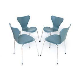 """Krzesła """"7"""" proj. Arne Jacobsen"""