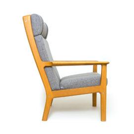Fotel dębowy proj. Hans J. Wegner dla Getama